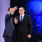 "Ponta il ia iar in brate pe Gadea si ataca ""ciomagarii basisti"". Lovitura la adresa presei independente"