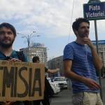 """Incep PROTESTELE de strada. Tinerii scandeaza in fata Guvernului: """"Premier penal, mars la tribunal"""""""