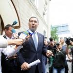 Ponta il acuza pe Iohannis de MINCIUNA. Cand se va intoarce in tara