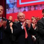 BBC: Premierul Romaniei, acuzat de coruptie. Conduce fostul partid comunist