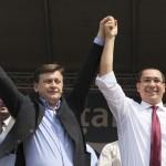 """Ponta se plange ca plateste pretul pentru """"indrazneala"""" de a-l suspenda pe Basescu"""