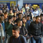 """AVERTISMENT din partea Libanului: """"Unu din 50 de refugiati sirieni ar putea fi terorist ISIS"""""""