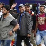 Inca 3.000 de imigranti au ajuns duminica in Germania. Intampinati cu aplauze si CADOURI – VIDEO