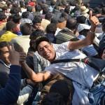 """De ce vin atat de multi TINERI imigranti? """"Fiecare primeste o BLONDA gratis"""" – Vezi FOTO"""