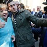 "Merkel: ""Refugiatii nu pot fi OPRITI. Cine suntem noi sa aparam valorile CRESTINE din intreaga lume?"""
