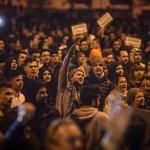 """No, hai!"". Clujenii trec la actiune, oamenii se strang in fata sediului PSD. In curand vor veni si studentii"