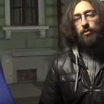 """""""Ne-au facut SATANISTI"""". Intr-un mic oras, un tanar LUPTA pentru o Romanie mai buna – VIDEO"""