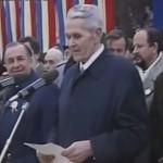 Imagini care dor: Coposu, HUIDUIT de 1 Decembrie la Alba. Iliescu si Roman se hlizesc – VIDEO
