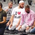 Musulmanii din Germania se REVOLTA, nu sunt de acord ca ISIS sa fie atacat