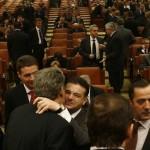 Iohannis a promulgat legea privind PENSIILE SPECIALE ale parlamentarilor