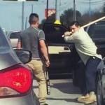 Ciomageala ca-n filme, in plin trafic: Doi soferi se SNOPESC reciproc in bataie – VIDEO