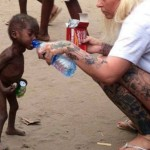 Acuzat de VRAJITORIE, acest baietel a fost lasat pe strazi ca un animal. 1 MILION $ s-au strans pentru salvarea sa – Galerie FOTO