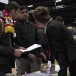 Targ de locuri de MUNCA pentru refugiati in Germania. DEZAMAGIRE totala – VIDEO