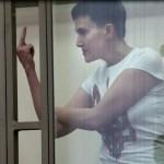 Mandra de TARA sa: Judecata in Rusia, canta imnul ucrainean dupa care ii arata DEGETUL mijlociu judecatorului