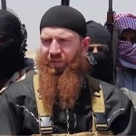 """Bombardament cumplit pentru a-l UCIDE pe """"Omar Cecenul"""", diavolul ISIS cu barba rosie"""
