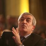 """""""Dai in mine, dai in fabrici si uzine"""". Tariceanu acuza DNA ca vrea sa strice imaginea Senatului cu trimiterea sa in judecata"""
