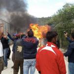 Refugiatii au facut PRAPAD intr-o tabara din Grecia. Batai cumplite cu fortele de ordine – Galerie FOTO