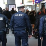 """Incep atacurile JIHADISTE in Germania. Strigand """"Allahu Akbar"""" a injunghiat mai multi oameni in gara din Munchen"""