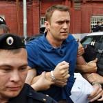 """Alexei Navalnii, ultimul ghimpe in coasta Kremlinului. Cum vor supusii lui Putin """"sa-i faca felul"""""""