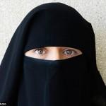 Bulgaria a interzis purtarea VALULUI ISLAMIC in locurile publice