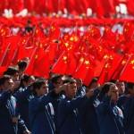 """De la 1 mai, chinezii vor primi """"note sociale"""". Daca au note mici, ei vor fi pedepsiti de autoritati, li s-ar putea interzice chiar si sa calatoreasca cu trenul"""