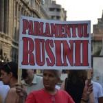 """PROTESTE la Timisoara si Bucuresti fata de """"nesimtirea"""" parlamentarilor"""