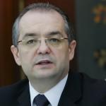 """PSD a dat o gratiere si in 2002. Atunci, Emil Boc a """"luptat la baioneta"""" in Parlament pentru a fi retrasa. Solicitari pe care acum nimeni nu le-a ridicat"""
