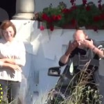 """Basescu, exploziv si in rol de bunic. S-a jucat """"de-a v-ati ascunselea"""" cu nepotul in parcare – Galerie FOTO"""