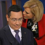 a-campaign-staff-gives-advice-to-ponta-during-a-tv-debate-with-iohannis-an-ethnic-german-mayor-backed-by-two-right-wing-parties-in-bucharest