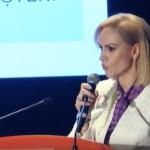 """Firea a adus batrani si copii la o manifestare PSD pentru a-i inchina OSANALE: """"Imi exprim sentimentele mele de gratitudine pentru doamna Firea"""""""
