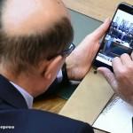 Traian Basescu, spionat in Parlament in timp ce ii trimitea fotografii Elenei Udrea