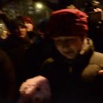 Dragotescu, sanctionata in Piata Universitatii pentru minciunile de la Romania TV. Protestatarii i-au aruncat bani, vezi imaginile – Video