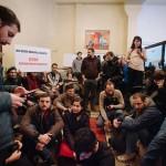 """Zeci de tineri au ocupat Avocatul Poporului: """"Domnule Ciorbea, sunteti concediat!"""" – Video"""