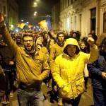 """Clujenii sunt tot mai implicati. Mii de tineri anunta ca vor iesi miercuri in strada impotriva manevrelor PSD-Ciorbea: """"Nu vom accepta"""""""
