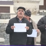 """Cartarescu: """"Nu am decat tristete pentru manifestantii pro-PSD. I-am vazut si la Mineriade: si unii, si altii erau pacaliti de acelasi partid"""""""