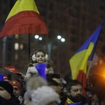 "Adrian Nastase, mesaj revoltator la adresa protestatarilor din fata Guvernului: ""Si-au adus copiii ca scuturi umane"""
