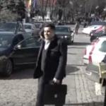 Pentru ei nu exista legi. Ministrul Transporturilor, Razvan Cuc, a parcat pe locurile rezervate persoanelor cu handicap – Video
