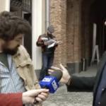 Imagini de necrezut. Viceprimarul lui Firea agreseaza un tanar pentru ca i-a ironizat prostiile. Oficialul are o teorie nemaiauzita despre cutremure – Video