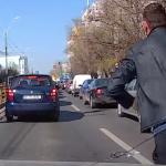 Sofer batut salbatic in traficul din Bucuresti. Imaginile sunt socante, sotia agresorului risca sa isi piarda serviciul – Video