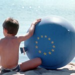 child_on_the_beach_eu