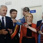 """Gabriela Firea se baga si ea in scandalul dintre Dragnea si Tudose. Il cearta nervoasa pe premier: """"Nu e normal!"""""""
