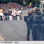 Proteste sangeroase: 34 de morti si zeci de raniti, printre care si deputati din Opozitie