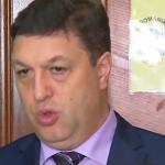 N-a rezistat mult. Serban Nicolae iese din tacere cu o noua badaranie cu conotatii sexuale. Noua lui tinta este ambasadorul SUA la Bucuresti