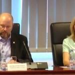 Consiliera USR, umilita si batjocorita suburban, cu aluzii sexuale, de viceprimarul Badulescu (PSD). Firea a sarit si ea sa o jigneasca pe userista