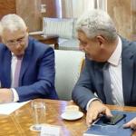 Prima mare afacere in domeniul militar incheiata de Romania cu SUA dupa aprobarea planului de inzestrare a armatei. Tutuianu si Tudose au semnat