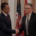 Noul ministru al Apararii, Mihai Fifor, le-a facut promisiuni consistente americanilor la Washington. Guvernul PSD i-a dus insa pana acum cu vorba