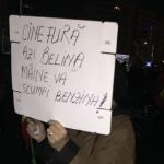 """Un nou protest energic in Piata Victoriei, dupa ce PSD a anuntat ca merge inainte cu legile justitiei: """"Nu scapati, nu scapati!"""""""