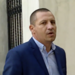 Video, soferul lui Liviu Dragnea i-a amenintat pe protestatari in fata Curtii Supreme. Insa, surpriza, acestia l-au pus la punct