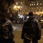 """Jandarm trimis in fata Parlamentului, catre un protestatar: """"Nu mai pot sa stau in fata voastra. Nu este munca pentru care m-am angajat"""""""