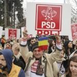 PSD si Firea au politizat ceremoniile oficiale de 1 Decembrie de la Arcul de Triumf. Mii de pesedisti au fost adusi cu pancarte din baronatele PSD